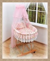 Koš s výbavou Darland - Patchwork růžový - sv. růžová moskytiéra