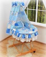 Koš s výbavou Darland - Patchwork sv. modrý s nebesy z celé látky
