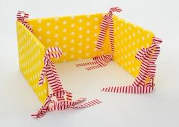 Mantinel na postýlku - žlutý bílé puntíky, stuhy červené proužky