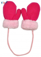 Zimní kojenecké  rukavičky s kožíškem - se šňůrkou  YO - malinové/růžový kožíšek