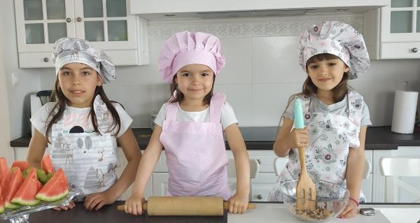 Kuchařská sada Junior MasterChef - zástěra + čepice + rukavice, mátová - ptáčci