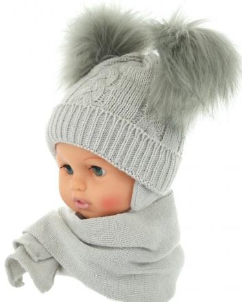 BABY NELLYS Zimní čepička s šálou - chlupáčkové bambulky - šedá