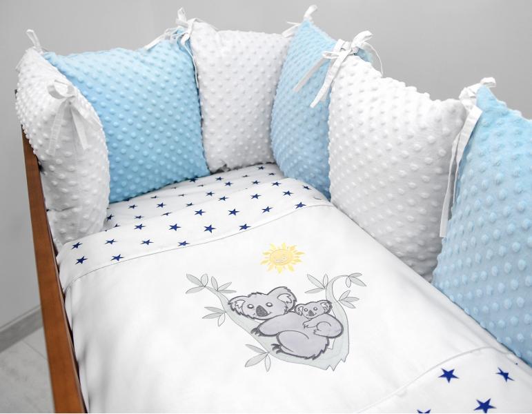 Polštářkový mantinel s Minky s povlečením s vyšívkou  - bílá,modrá,hvěz/gran - Koala.