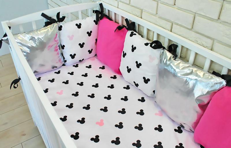 Baby Nellys Polštářkový mantinel s povlečením Shine, 135x100 - Mickey, růžová, Velikost: 135x100
