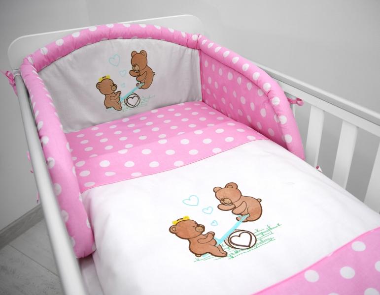 Mantinel s povlečením a výšivkou Medvídci na houpačce - Puntíky růžové, 135x100