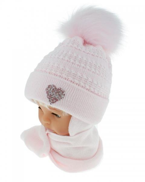 BABY NELLYS Zimní čepička s šálou - chlupáčková bambulka - sv. růžová se srdíčkem