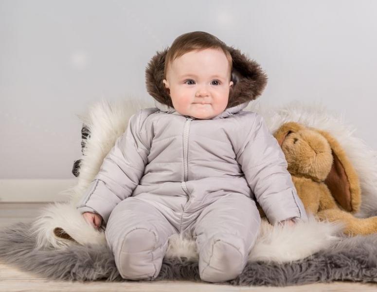 Kombinéza s kapucí a kožíškem Baby Nellys ®prošívaná - sv. šedá, vel. 68vel. 68 (4-6m)
