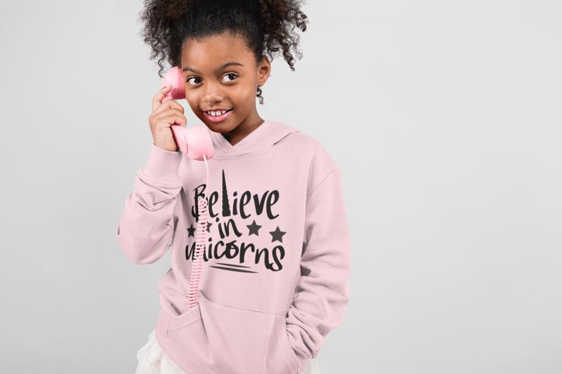 KIDSBEE Krásná dětská dívčí mikina s kapucí Believe in Unicorns - růžová, vel. 110