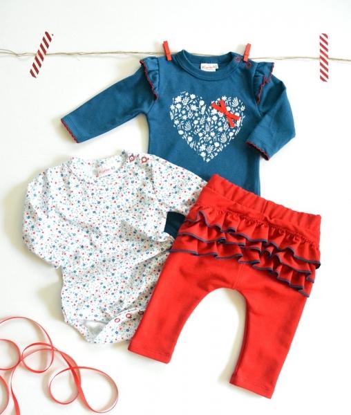 K-Baby Sada 2 x body dl. rukáv + 1 x tepláčky, Srdíčko, jeans/bílá/červená, vel. 68