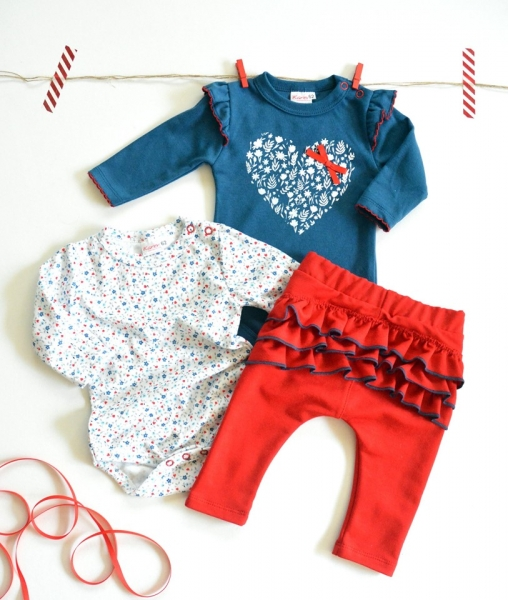 K-Baby Sada 2 x body dl. rukáv + 1 x tepláčky, Srdíčko, jeans/bílá/červená, vel. 74