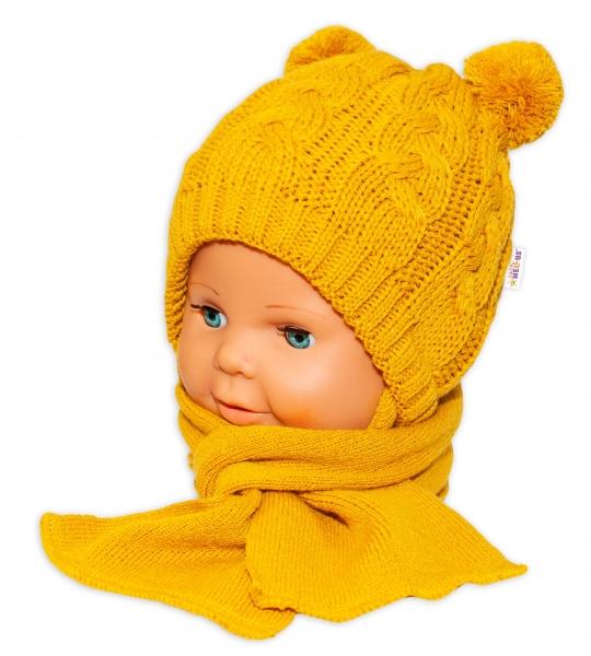 BABY NELLYS Zimní pletená čepička s šálou Mimi Bear - hořčicová s bambulkami, Velikost: 34/36 čepičky obvod