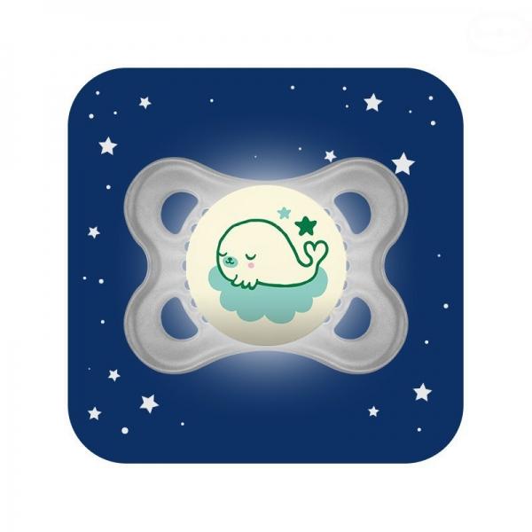 Symetrický dudlík Mam Night, svítící - Velryba, šedý