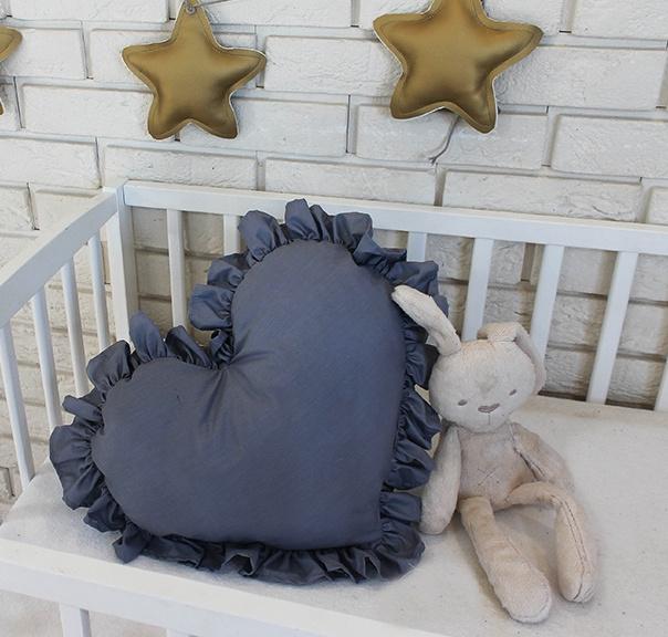 Baby Nellys Dekorační oboustranný polštářek - Srdce, 45  x 40 cm - tmavě šedé