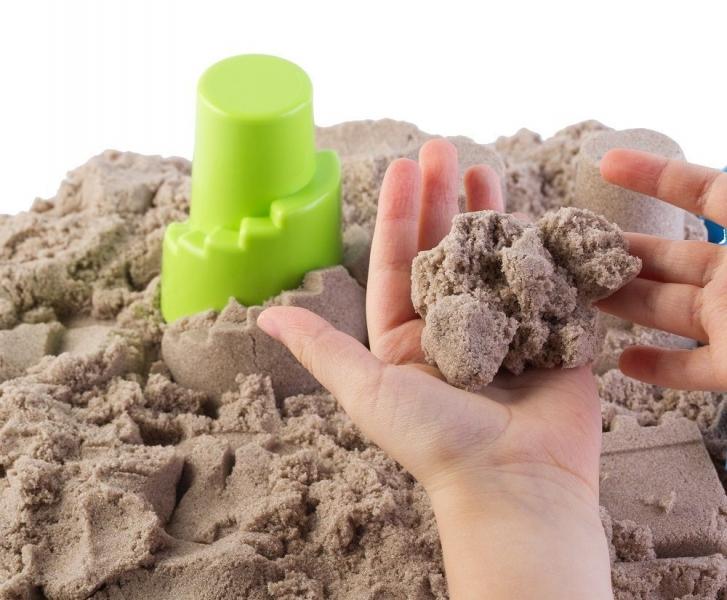 Adam Toys, Kinetický písek - přírodní - 3kg + formičky + pískoviště