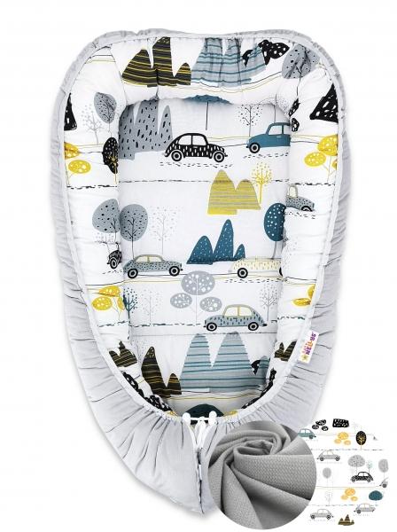 Oboustranné hnízdečko Baby Nellys Velvet, 55x75cm - Auta v aleji - šedý velvet/auta zelená