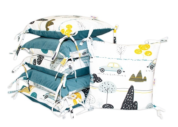 Polštářkový mantinel Baby Nellys - Auta v aleji - velvet + bavlna, bílo/zelená