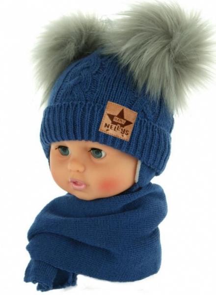 BABY NELLYS Zimní čepička s šálou - chlupáčkové bambulky - tmavě modrá, šedé bambulky