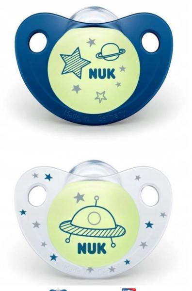 NUK Symetrický dudlík Night&Day, svítící - Vesmír, modrá/bílá , 18-36 m+