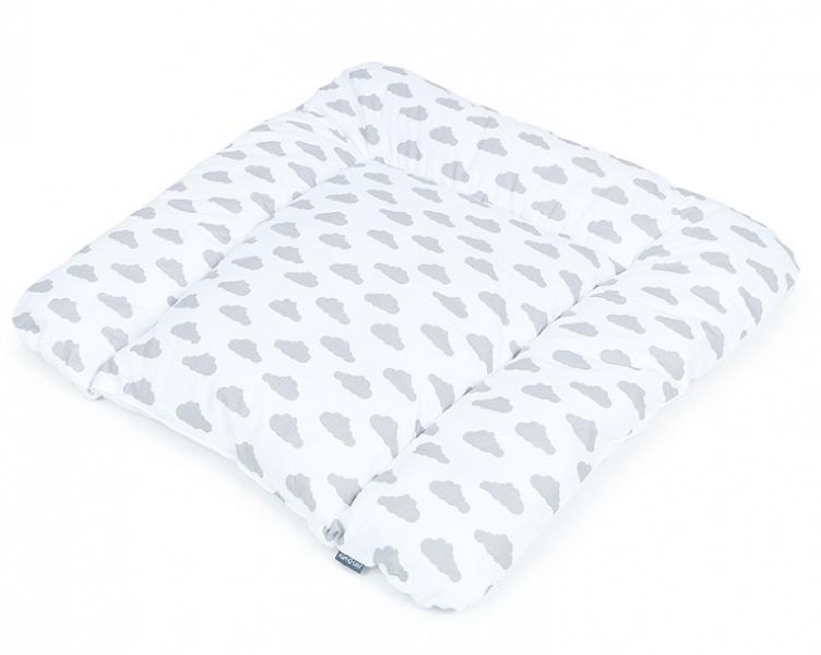 Mamo Tato Přebalovací podložka 70 x 75 cm - Mráčky šedé na bílém