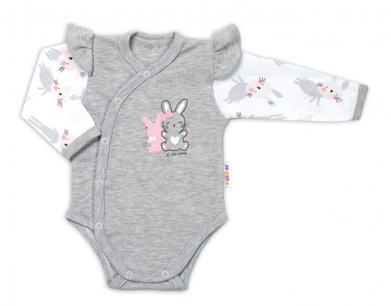Baby Nellys Kojenecké body, dl. rukáv, zap. bokem s volánky Cute Bunny - šedé, Velikost: 56 (1-2m)