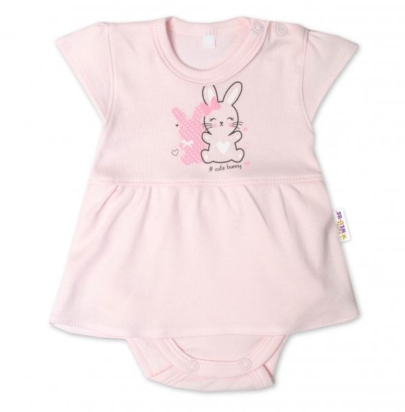 Baby Nellys Bavlněné kojenecké sukničkobody, kr. rukáv, Cute Bunny - sv. růžové, vel. 74