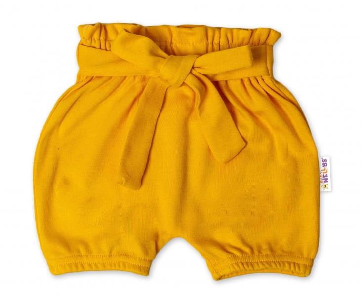 Baby Nellys Bavlněné kraťasy s ozdobným páskem - hořčicové