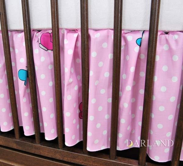 Krásný volánek pod matraci, beránek růžový