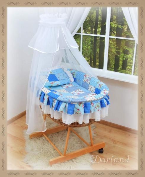 Koš s výbavou Darland - Patchwork modrý -bílá moskytiéra