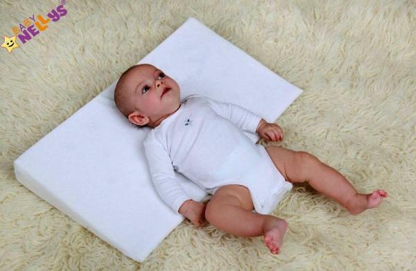 Baby Nellys Zvýšená poloha - Klín - Hvězdičky v  šedé