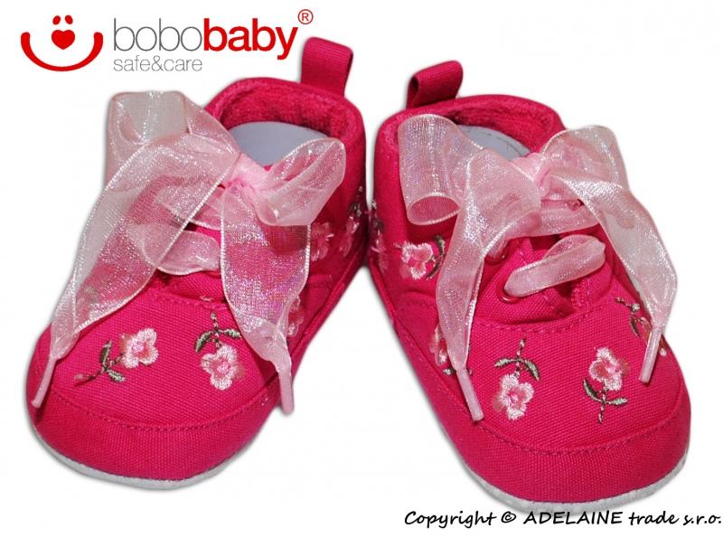 Rozkošné capačky/botičky BOBO BABY - růžové s výšivkou kytiček