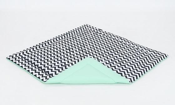 Hrací, přebalovací podložka 120x120cm - bílá/zigzag černý-mátová