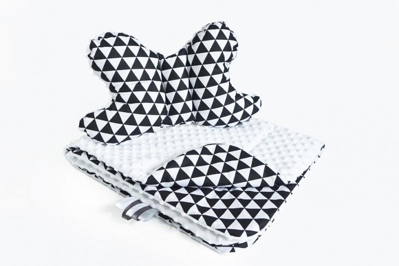 2-dílná Sada do kočárku s minky s motýlkem - trojúhelníčky, minky - černá/bílá