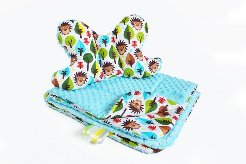 2-dílná Sada do kočárku s minky s motýlkem - ježek, minky - sv. modrá