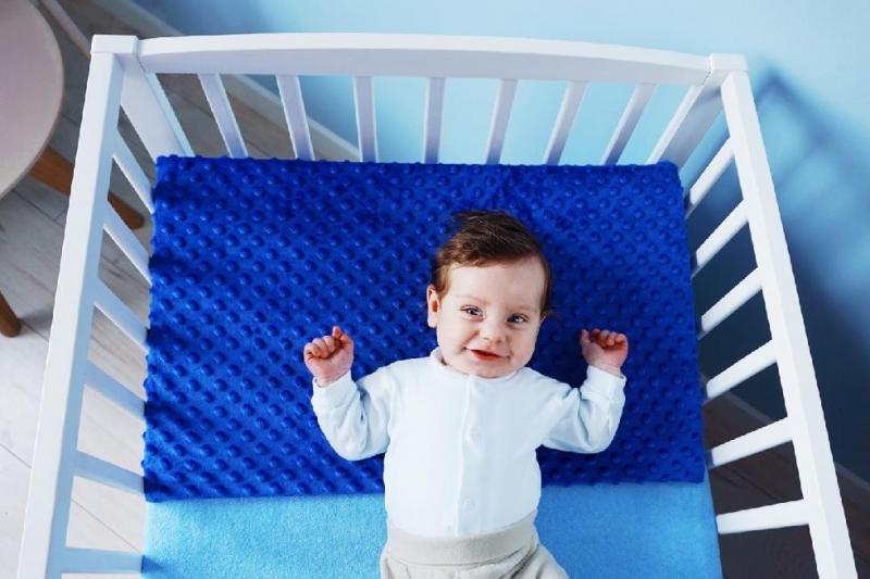Baby Nellys Zvýšená poloha - Klín - minky mátová