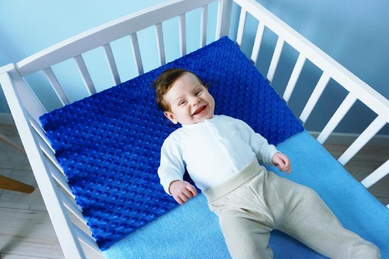 Baby Nellys Zvýšená poloha - Klín - minky tyrkys