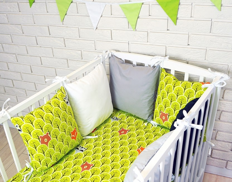 Baby Nellys Polštářkový mantinel s povlečením - lesík, zelená/bílá/šedá, 135x100 cm