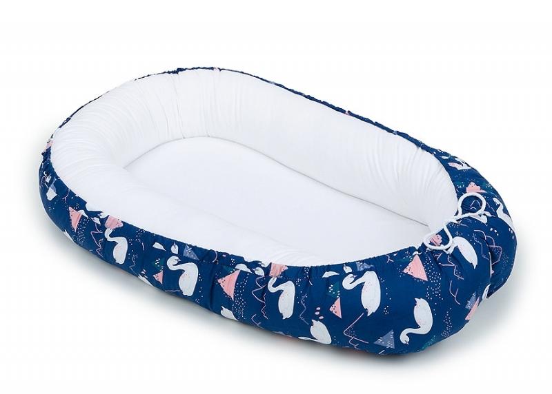 Mamo Tato Oboustranné hnízdečko Velvet - kokon pro miminko - bílé/labutě granátové