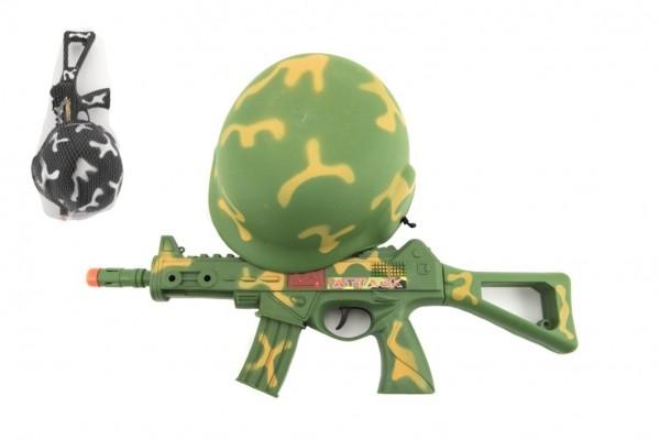 Vojenská sada samopal 31cm na setrvačník jiskřící+helma/přilba v síťce