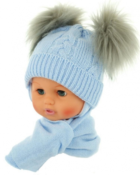 Zimní čepička s šálou - chlupáčkové bambulky - sv. modrá, Velikost: 0/4měsíců