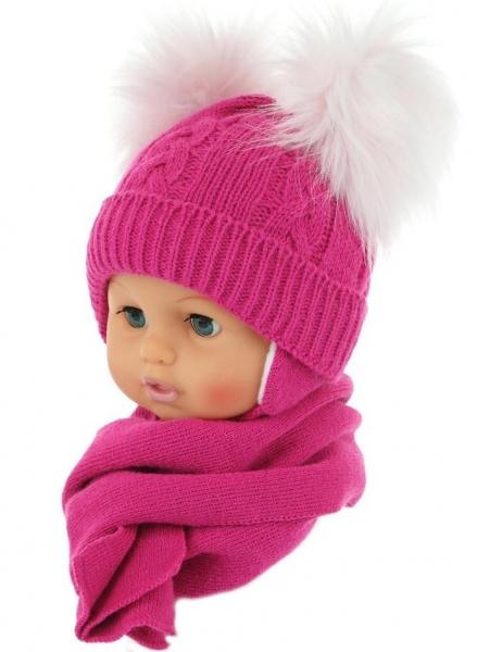BABY NELLYS Zimní čepička s šálou - chlupáčkové bambulky - malinová, Velikost: 0/4měsíců