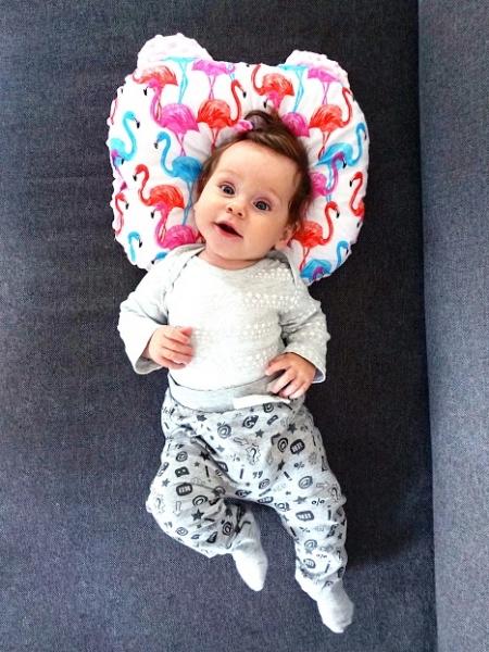 Baby Nellys Oboustanný polštářek s oušky, 30x35cm - Hězdičky,minky černá
