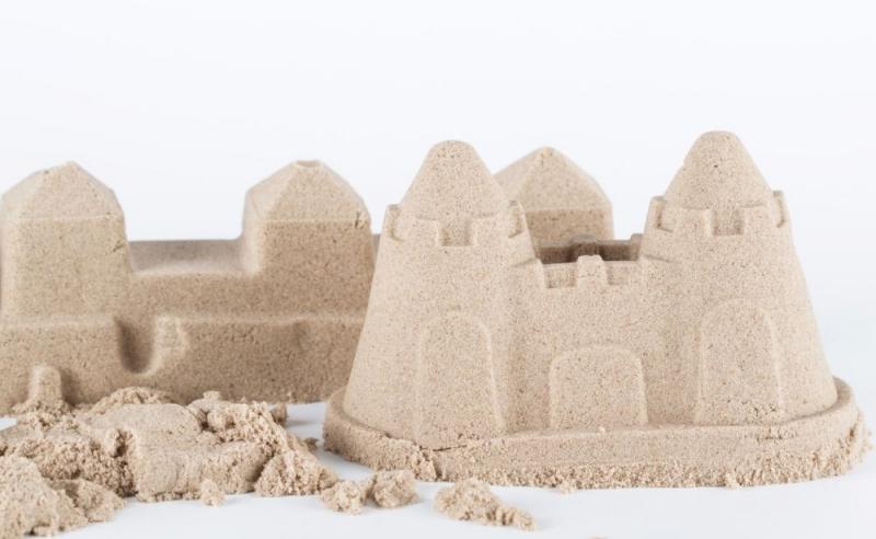 Kinetický písek - přírodní - 2kg + formičky zdarma